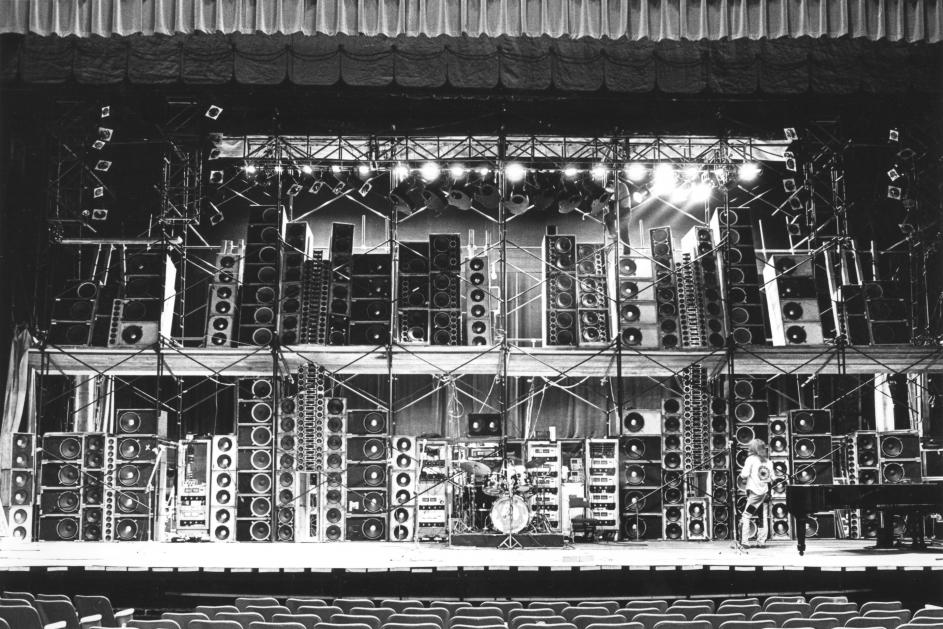 Content amplification Grateful Dead Wall of Sound