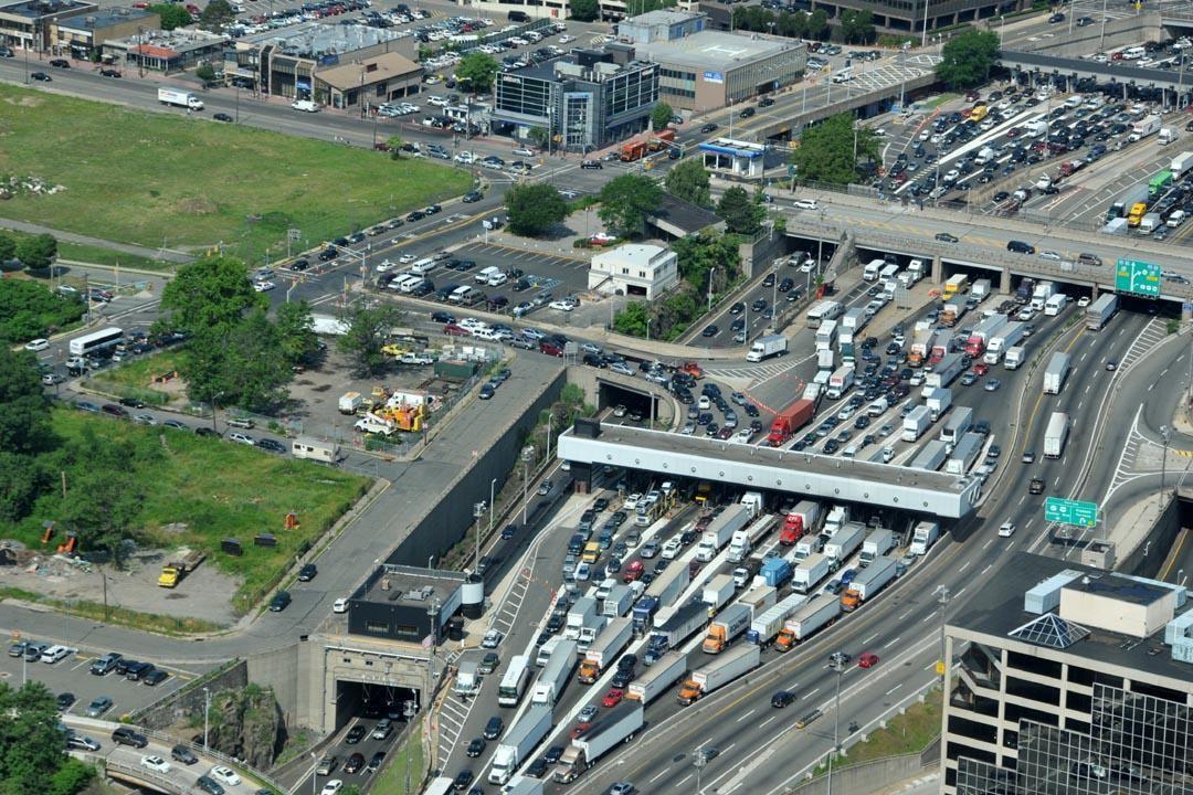 Conversion rate benchmarks traffic bottleneck