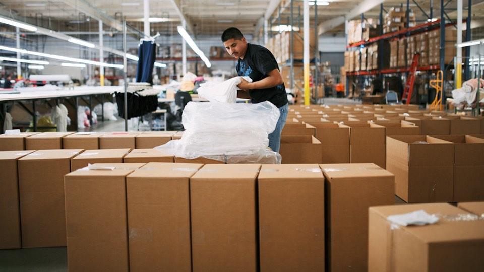 Ethical marketing Everlane factory worker