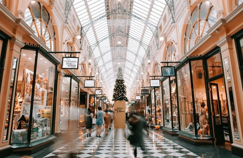 Black Fiveday Holiday Shopping