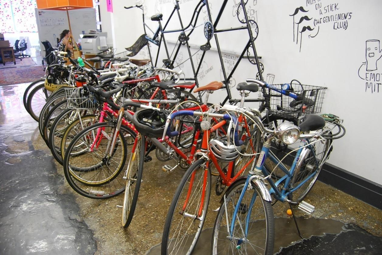 startup marketing picture of bikes