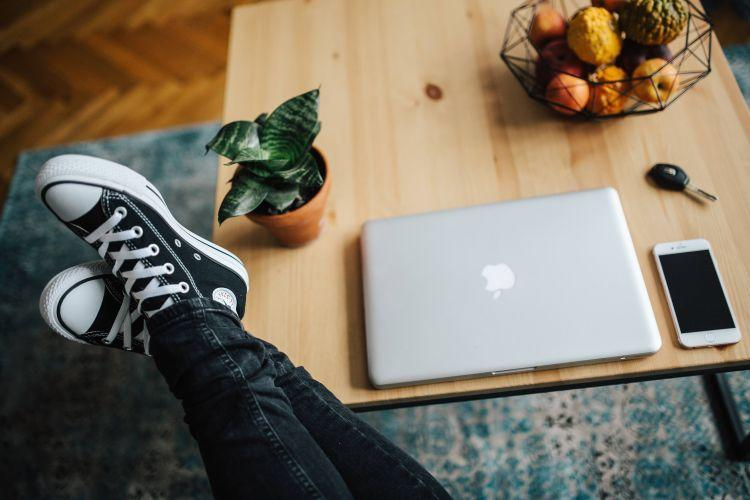 how to brainstorm cornerstone content topics